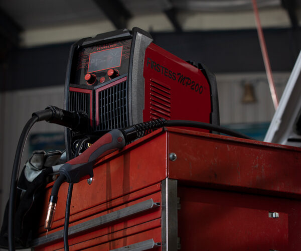 Introducing the YesWelder FIRSTESS MP200 5-in-1 Welder & Cutter, Initial setup, cuts and welds!